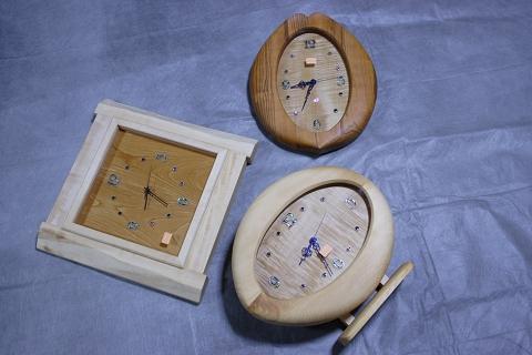 同時にご注文頂いたお祝いの三つの木の時計
