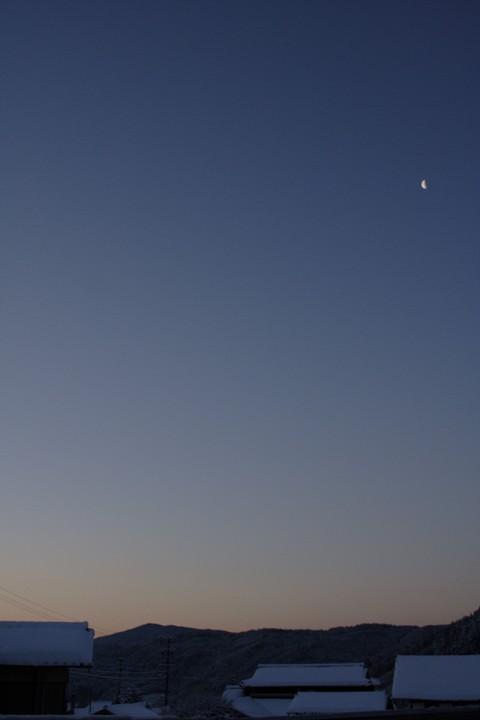 日の出寸前のクリアな空