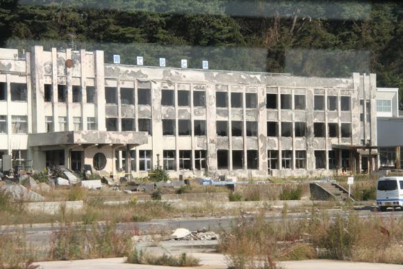 121020 被災した大川小学校