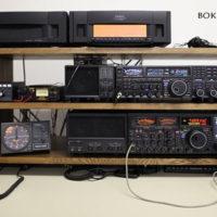 無線機の棚